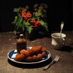 Turkish traditional dessert with chocolate sause