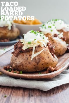 Beef Taco Loaded Baked Potatoes: Stuffed high with beef taco meat, cheese, sour cream, and crushed Fritos, these loaded baked potatoes are a fantastic quick weeknight dinner and a great way to use up leftover taco meat! Making Baked Potatoes, Baked Potato Recipes, Loaded Baked Potatoes, Leftover Taco Meat, Taco Fillings, Creamed Potatoes, Ground Beef Tacos, Quick Weeknight Meals, Canned Tomato Sauce