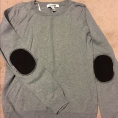 Forever21 sweater with cute elbow patches Grey cotton sweater with brown corduroy elbow patches. In excellent shape Forever 21 Sweaters Crew & Scoop Necks