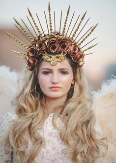 crown headband <---Please Read Item Details Below---> Gorgeous spikes and rose gold crown headpiece. Measures at top of crown. Wears easily on a headband with a wide center comb. Queen Crown, Crown Royal, Royal Crowns, Seashell Crown, Gothic Crown, Rose Crown, Crown Flower, Mermaid Crown, Mermaid Headpiece