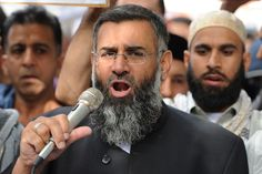 This is the idiot that was on Fox News saying Geller need to be beheaded for her cartoon!  The United Kingdom's  Imam Anjem Choudary has received clearance from the US State Department to tour the country on a speaking engagement...when he doesn't get an audience, and he shouldn't, he will see America at its best.
