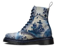 PASCAL in blue and white willow pattern