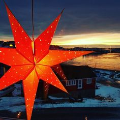 Christmas is particularly festive in Greenland. It is celebrated with many candles and an abundance of characteristic, red-orange Christmas stars that can be seen in almost all the windows. Merry Christmas! :) Photo @nielsbruua  #Greenland #Visitgreenland #Christmas #xmas #travel #instatravel #themostwonderfultimeoftheyear #snow #whitechristmas #merrychristmas