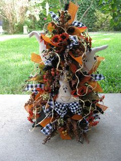 PRIMITIVE HALLOWEEN TREE GHOSTS BATS TAG LEAVES BERRIES RIBBON OOAK