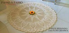Round mat with sunflower flower step by step Thread Crochet, Diy Crochet, Crochet Doilies, Crochet Flowers, Crochet Stitches, Crochet Patterns, Flower Step By Step, Crochet Carpet, Sunflower Flower