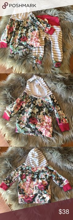 Gorgeous Floral patterned Baby Girl Set Such a beautiful set! My baby girl only had the chance to wear it twice before she outgrew it. Purchased from Etsy, handmade item. Matching Sets