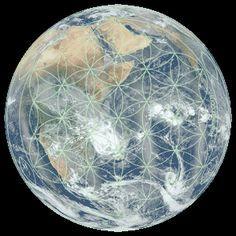 Nós sabemos sobre os diversos vórtices de energia do corpo humano – os chakras. Mas poucos aceitam a ideia natural que de que Gaya, mãe terra, tenha seus chakras também. Como nós, a Terra tam…