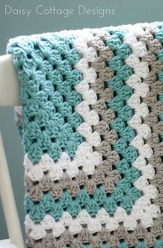 Click to find free crochet patterns to create a DIY blanket.