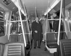 """""""Am 18.11.1978 wurde das allererste Teilstück der Wiener U-Bahn eröffnet:Die #U1 zwischen Karlsplatz & Stephansplatz. """""""