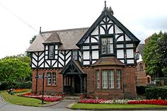 Google Image Result for http://www.bugbog.com/images/galleries/england_pictures/england-photos-chester.jpg