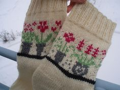 Ravelry: Socks With Windowsill (Archived) pattern by Anne Abrahamsen - free knitting pattern