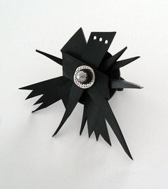 Gummiring av återanvänt gummi. Rubber ring, recycled