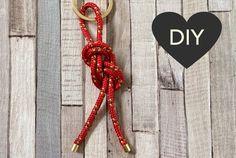 Dieser Schlüsselanhänger ist das DIY-Geschenk für meinen Freund zu seinem (heutigen) Geburtstag. Für alle Männer, die gerne segeln eine schöne Geschenk-Idee, zumal der Schlüsselanhänger mit Segelknoten wirklich fix gebastelt ist. Ich mache daher auch gar…