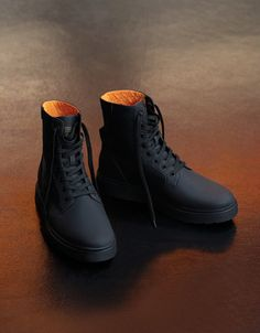 Men's combined biker boots - Ankle boots - Bershka Bosnia and Herzegovina Mens Boots Fashion, Sneakers Fashion, Fashion Shoes, Men's Shoes, Shoe Boots, Ankle Boots, Snicker Shoes, Nike Shoes Air Force, Fresh Shoes