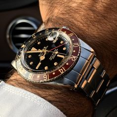 Live shot of this sports iconic Rolex GMT reference 6542 circa' 59, radium has done wonders to this dial  and case is to die for