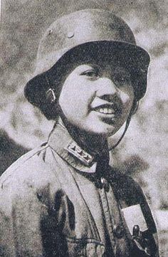 廣州淪陷前,廣東高中以上學生全體組織軍訓3個月,廣東省女師、惠陽女師等學校學生也都參加了集訓。女生團三個中隊300多人,第二中隊108個女生全是廣東省的。