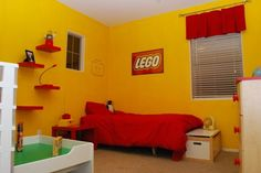 A+Simple+Yellow+LEGO+Room