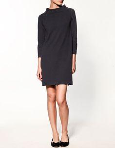Love the collar. #dress #black #jersey