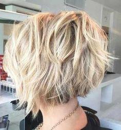 31.Blonde Kurz Frisur