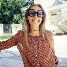 Małgorzata Braunek - Polish actress and the coolest girl of Poland - Fototeka Filmoteki Narodowej Positive People, Other People, Poland, Cool Girl, Round Sunglasses, The Past, Cinema, Classy, Actresses