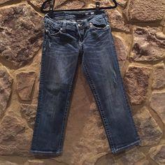 """Miss Me"" Capri Jean ""Miss Me"" Capri Jean- size 29- like new Miss Me Jeans Ankle & Cropped"