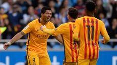 Luis Suárez celebra el segundo gol junto a Neymar Júnior y a Leo Messi