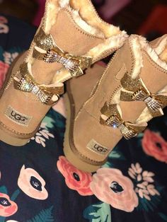 Image of Custom Made DiamondFluff Bow Uggs Ugg Snow Boots, Ugg Winter Boots, Winter Boots Outfits, Outfit Winter, Ugg Boots Outfit, Girls Ugg Boots, Custom Uggs, Uggs With Bows, Bow Uggs