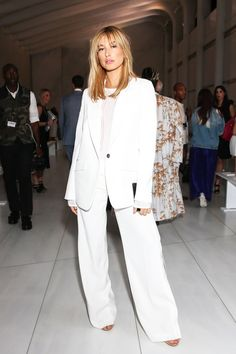 The Best-Dressed Celebrities At New York Fashion Week | The Zoe Report