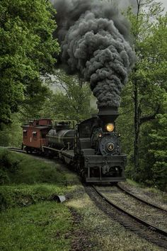train railroad Engine West Virginia mountain train, Switzerland Union Pacific class Northern steam locomotive # is dis. Locomotive Diesel, Steam Locomotive, Train Tracks, Train Rides, Train Trip, Old Steam Train, Train Pictures, Old Trains, Steam Engine