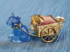 Antique Needlework Tools and Sewing: 324 French Gilt Metal Cart as Pincushion Pulled by a Blue Glass Dog Sewing Box, Sewing Tools, Sewing Notions, Sewing Kits, Metal Cart, Bleu Cobalt, Crochet Tools, Craft Accessories, Needle Book