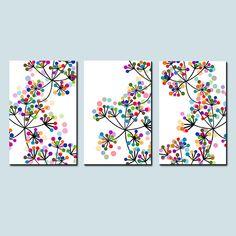Dies ist eine Sammlung von drei moderne botanische Blumen Kunst-Drucke, die hängen zusammen in einem Trio-Format (abgebildet) oder einzeln aufgehängt werden kann. Schwarz und weiß mit bunten Punkten in lebendige Pops! Wählen Sie Ihre Größe aus dem Drop-down-Menü. Wenn Sie verschiedene Farben