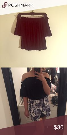 """Lf Emma & Sam Black Off the Shoulder Crop Top New with tags. Size small. Length is 15"""". No trades LF Tops Crop Tops"""