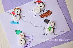 Lavoretto con tappi di plastica: i pupazzi di neve