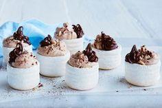 Chocolate-hazelnut mini pavlovas