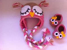 Owl crocheted hat and slippers-  www.facebook.com/ateliervivifezarte #owlcrochethat #owlcrochetslippers #crochet #crochetforkids
