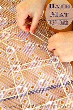 Geo Board Bath Mat - How Wee Learn Simplest way to make a geoboard for preschoolers - so easy! Kids Learning Activities, Motor Activities, Fun Learning, Preschool Activities, Preschool Math, Kindergarten Math, Toddler Preschool, Geo Board, Business For Kids