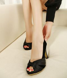 Cheap Trendy Style Women's Peep Toed Shoes With Black and Suede Design Peep Toe Black Peep Toe Pumps, Peep Toe Shoes, Black Heels, Stiletto Heels, Trendy Fashion, Trendy Style, Kitten Heels, Flats, Wedges