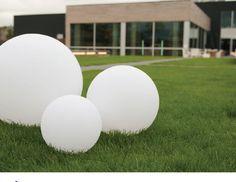 Sphères Led de différentes tailles pour usage intérieur ou pour usage extérieur...