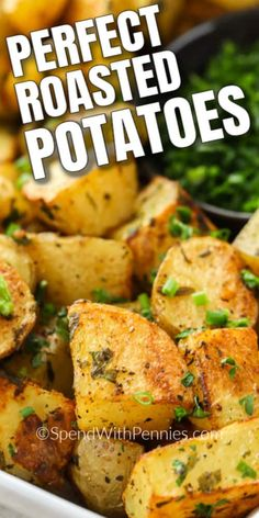 Fresh herbs, seasonings and olive oil make these oven roasted potatoes the most delicious side dish! Potato Sides, Potato Side Dishes, Side Dishes Easy, Vegetable Side Dishes, Main Dishes, Roasted Potato Recipes, Vegetable Recipes, Vegetarian Recipes, Cooking Recipes