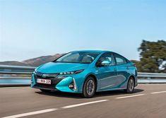 "Toyota Prius: Eco e vispa, ma non ""da trasloco"" Toyota Prius, Toyota Corolla, Lightroom, Hybrids And Electric Cars, Fuel Economy, Commercial Photography, Luxury Cars, Dream Cars, Spiritual"