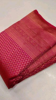 Latest Silk Sarees, Indian Silk Sarees, Art Silk Sarees, Indian Bridal Outfits, Indian Bridal Fashion, Indian Fashion Dresses, South Indian Wedding Saree, Saree Embroidery Design, Silk Sarees With Price