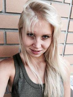 Moottoripyörämessujen yhteydessä valitaan myös Miss MP – esittelyssä kymmenen kaunista ehdokasta   Jokamies.fi Tutu, Daenerys Targaryen, Game Of Thrones Characters, Hair, Ballet Skirt, California Hair, Tutus
