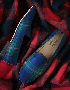 Plaid - Tartan Prince Albert Slippers - by F. Castleberry for Del Toro Tartan Fashion, Look Fashion, Fashion Shoes, Mens Fashion, Latex Fashion, Gothic Fashion, Tartan Shoes, Tartan Plaid, Blue Plaid