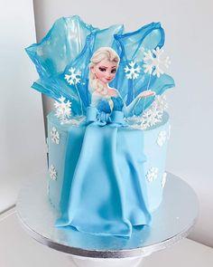 Pastel Frozen, Elsa Frozen, Beautiful Birthday Cakes, Beautiful Cakes, Elsa Cakes, Frozen Theme, Character Cakes, Girl Cakes, Creative Cakes