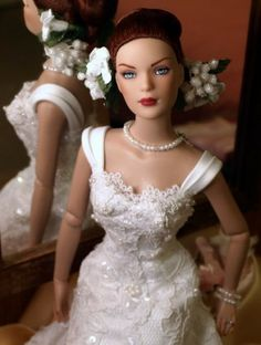 Fiona ~bride doll by Tyler Wentworth Barbie Bridal, Barbie Wedding Dress, Wedding Doll, Barbie Gowns, Bridal Dresses, Flower Girl Dresses, Pretty Dolls, Beautiful Dolls, Diva Dolls