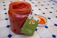 À la découverte de l'huile de palme sauvage rouge de Guinée-Bissau, une sentinelle Slow Food, avec une recette de poulet à l'africaine.