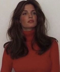 Hair goals Trendfrisuren Bob, akkurater Mittelscheitel oder This particular language Lower Pass away Frisurentrends 90s Hairstyles, Hairstyles With Bangs, Pretty Hairstyles, 90s Haircuts, Woman Hairstyles, Vintage Hairstyles, Curly Tumblr, Hair Inspo, Hair Inspiration