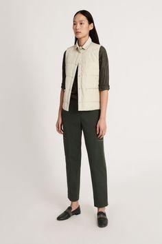 Fabiana Filippi Damen Cargohose Olive | SAILERstyle Normcore, Shirts, Style, Fashion, Ponchos, Olives, Knit Jacket, Cotton, Gowns