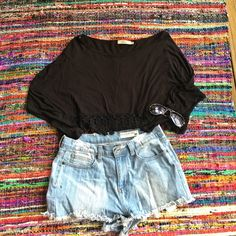 Elodie Sleeved & Trimmed Black Crop Top Adorable and perfect for summer! Elodie Tops