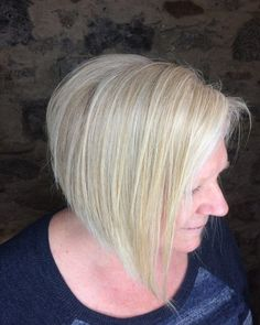 Copper Layered Bob with Bangs - 50 Classy Short Bob Haircuts and Hairstyles with Bangs - The Trending Hairstyle Line Bob Haircut, Bob Haircut With Bangs, Haircut For Thick Hair, Hairstyles With Bangs, Thin Hair, Curly Hair, Long Angled Bob Hairstyles, Short Bob Haircuts, Short Hair Cuts